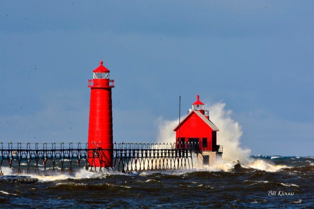 Grand Haven Lighthouse Big Wave. Photo credit: Bill Klouw